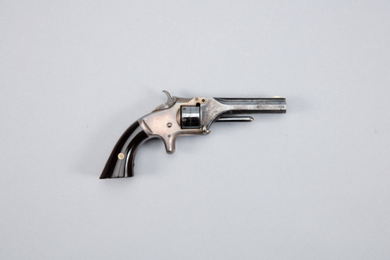 revolver, metallic cartridge, 1948.69, W1139, 203746, Photographed by Andrew Hales, digital, 25 Jan 2017, © Auckland Museum CC BY