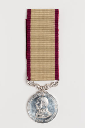 medal, long service, 1985.119, N2648, Photographed by Ben Abdale-Weir, digital, 08 Feb 2017, © Auckland Museum CC BY