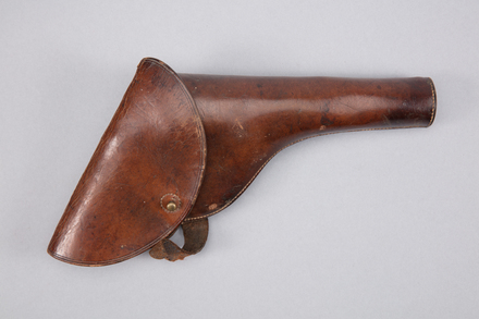 gun holster, 1997x2.195, Photographed by Richard NG, digital, 20 Feb 2017, © Auckland Museum CC BY