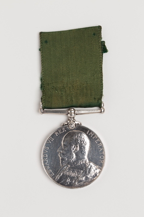 medal, long service, N1654, Photographed by Ben Abdale-Weir, digital, 02 Feb 2017, © Auckland Museum CC BY