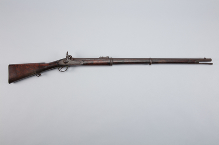 rifle, percussion, W1414, 5229, 38005.3, Photographed by Richard NG, digital, 23 Feb 2017, © Auckland Museum CC BY