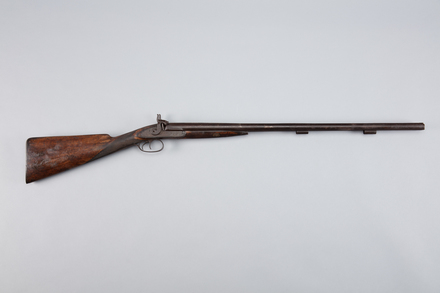 shotgun, percussion, W1422, 5453, 38005.22, Photographed by Richard NG, digital, 02 Mar 2017, © Auckland Museum CC BY