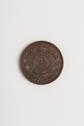 medal, prize, 1998x2.2, Photographed by: Julia Scott, photographer, digital, 27 Feb 2017, © Auckland Museum CC BY
