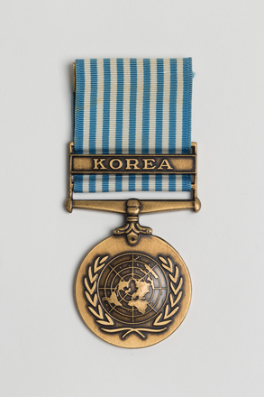 medal, campaign, 2000.26.27, Photographed by Ben Abdale-Weir, digital, 03 Mar 2017, © Auckland Museum CC BY