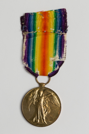 medal, campaign, 2002.12.2, S:146, Photographed by Ben Abdale-Weir, digital, 03 Mar 2017, © Auckland Museum CC BY