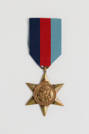 medal, campaign, 2014.68.3, Spink: 154, Photographed by: Julia Scott, photographer, digital, 08 Mar 2017, © Auckland Museum CC BY