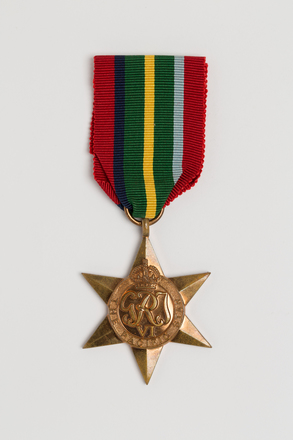 medal, campaign, 2014.68.4, Spink: 158, Photographed by: Julia Scott, photographer, digital, 08 Mar 2017, © Auckland Museum CC BY