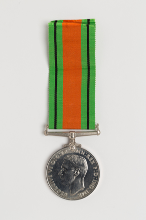 medal, campaign, 2014.68.5, Spink: 162, Photographed by: Julia Scott, photographer, digital, 08 Mar 2017, © Auckland Museum CC BY
