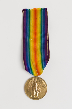 medal, campaign, 2016.2.2, Photographed by: Julia Scott, photographer, digital, 08 Mar 2017, © Auckland Museum CC BY