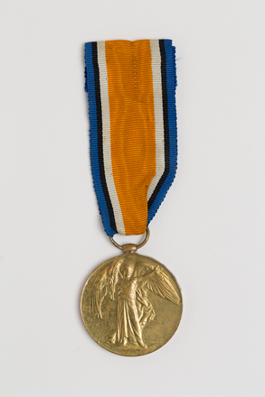 medal, campaign, 2016.26.4, Spink: 146, Photographed by: Julia Scott, photographer, digital, 09 Mar 2017, © Auckland Museum CC BY