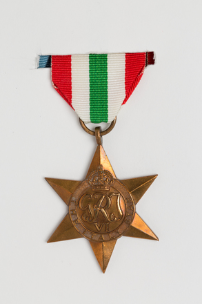 medal, campaign, 2014.21.1.2, Spink: 160, Photographed by Ben Abdale-Weir, digital, 10 Mar 2017, © Auckland Museum CC BY