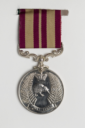 medal, service, 2014.21.1.6, Photographed by Ben Abdale-Weir, digital, 10 Mar 2017, © Auckland Museum CC BY