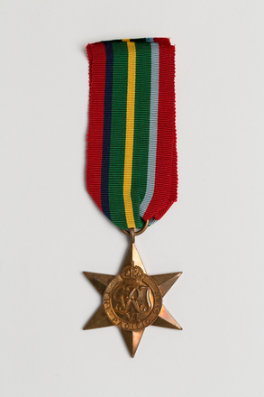 medal, campaign, 1985.124, N2660, S158, Photographed by: Julia Scott, photographer, digital, 14 Mar 2017, © Auckland Museum CC BY