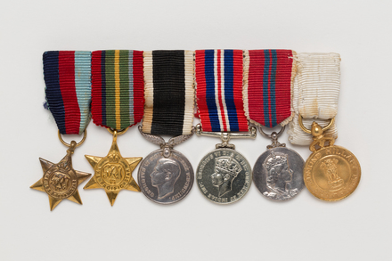 medal set (miniature), 2014.7.3.5, il2011.13.87, il2011.13, 4, il2002.7.63, 16790, Photographed by Julia Scott, 16 Mar 2017, © Auckland Museum CC BY