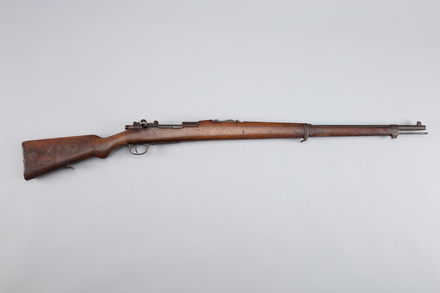 rifle, bolt action, 1958.146, W1311, 426641, Photographed by Richard NG, digital, 16 Mar 2017, © Auckland Museum CC BY
