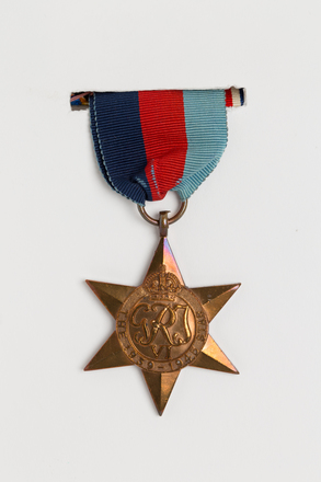 medal, campaign, 2002.48.2.5, Photographed by Ben Abdale-Weir, digital, 17 Mar 2017, © Auckland Museum CC BY