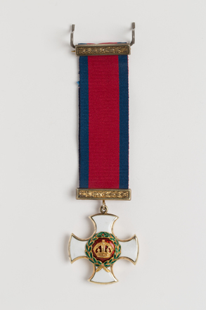 medal, decoration, N1948, Photographed by: Julia Scott, photographer, digital, 27 Mar 2017, © Auckland Museum CC BY