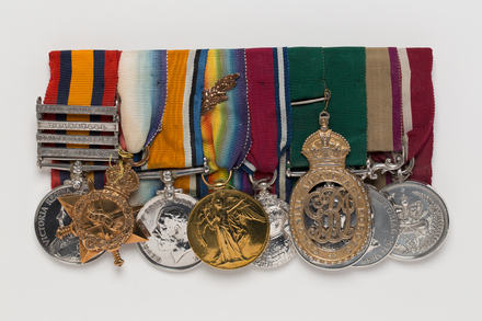 medal, campaign, 1990.119, N2880, Photographed by: Julia Scott, photographer, digital, 28 Mar 2017, © Auckland Museum CC BY