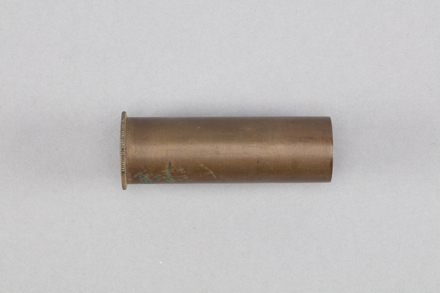 shell case, 1926.195.6, Photographed by Richard NG, digital, 05 Apr 2017, © Auckland Museum CC BY