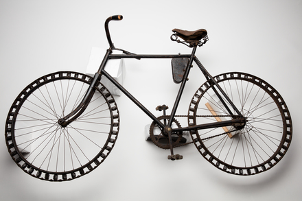 bicycle, 1930.203, W0439, 1996x2.280, 429, Photographed by: Julia Scott, photographer, digital, 12 Apr 2017, © Auckland Museum CC BY