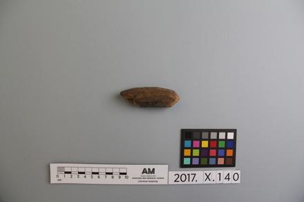 fragment, 2017.x.140