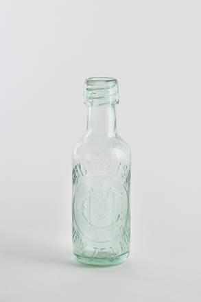 bottle, aerated water, 2014.24.29, 60/2, Photographed by Richard NG, digital, 31 May 2017, © Auckland Museum CC BY