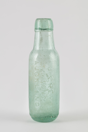bottle, mineral water, 2014.24.52, 35/10, Photographed by Richard NG, digital, 06 Jun 2017, © Auckland Museum CC BY
