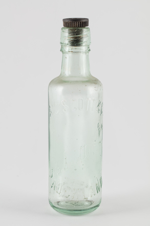 bottle, mineral water, 2014.24.68, 60/5, Photographed by Richard NG, digital, 07 Jun 2017, © Auckland Museum CC BY