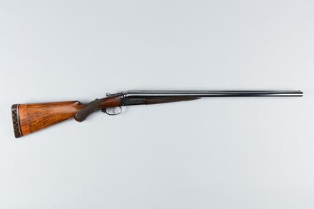 shotgun, double barrel, 2014.56.14, 17089, Photographed by Jennifer Carol, digital, 20 Jun 2017, © Auckland Museum CC BY