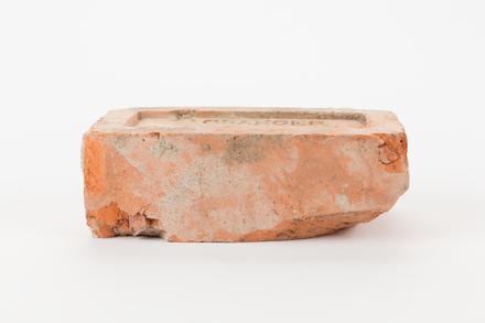 brick, 2003x2.57, Photographed by Jennifer Carol, digital, 27 Jun 2017, © Auckland Museum CC BY