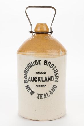 jar or flagon, 2014.24.74, 163, Photographed by Jennifer Carol, digital, 27 Jun 2017, © Auckland Museum CC BY