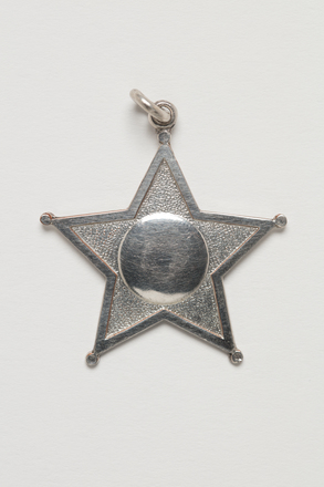 medal, prize, 1999.155.81, Photographed by Denise Baynham, digital, 10 Jul 2017, © Auckland Museum CC BY