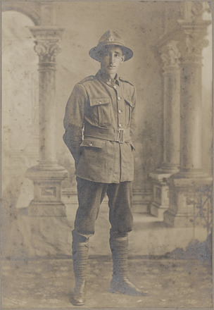 Portrait of Herbert Sydney Clinker 23346, Military Medal. R24184744, Archives New Zealand. Image has no known copyright restrictions.
