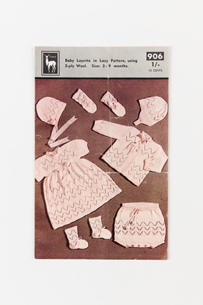 book, pattern (knitting), 1999.107.154, Photographed by Jennifer Carol, digital, 14 Jul 2017, © Auckland Museum CC BY