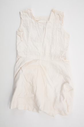 tennis dress, 1999.107.250, Photographed by Andrew Hales, digital, 25 Jul 2017, © Auckland Museum CC BY