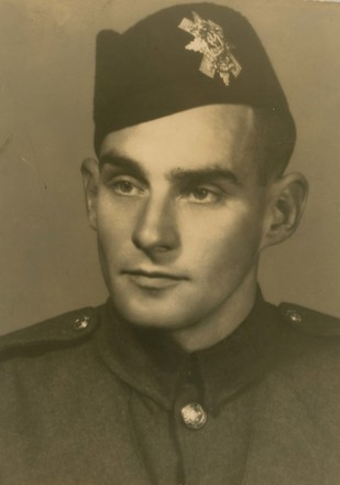 Photograph of Lieutenant Angus Jack Donaldson 48602, Image kindly provided by Patricia Scott (August 2017). Image may be subject to copyright.
