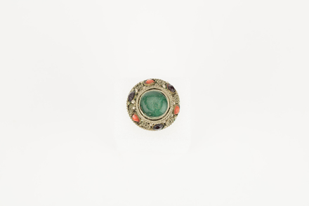 ring, 1974.154, 46736, 98 (D9), Photographed by Richard Ng, digital, 29 Aug 2017, © Auckland Museum CC BY