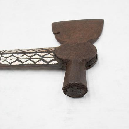 1925.217; 7371; axe; detail