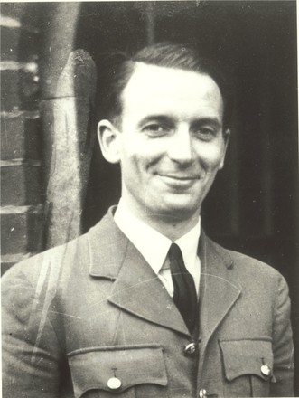 Royden Leslie Nugent in uniform - This image may be subject to copyright