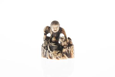 netsuke, 1932.233, 595, 18032.9, M154, Photographed by Denise Baynham, digital, 15 Dec 2017, © Auckland Museum CC BY