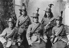 Cowdell. (1901) The Ngapuhi nursing sisters, Whangarei. Auckland War Memorial Museum neg. C42329.