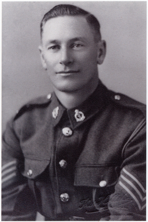 Shoulder length portrait of Sgt James Gilmour Clark (9432). Image kindly provided by Gaunt family (January 2018). Image has no known copyright restrictions.