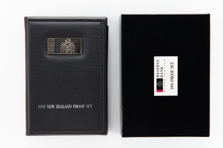 coin set, 2017.x.728, Photographed by Jennifer Carol, digital, 09 Apr 2018, © Auckland Museum CC BY