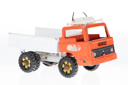 toy truck, 1996.165.232, Photographed by Andrew Hales, digital, 04 May 2018, © Auckland Museum CC BY
