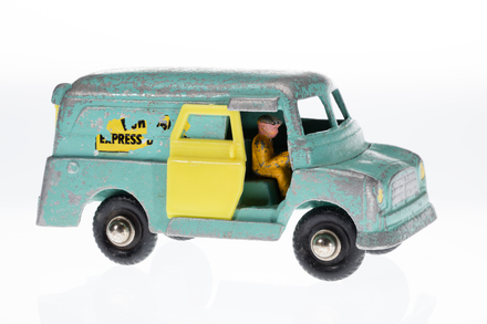 toy van, 1996.165.192, Photographed by Andrew Hales, digital, 14 May 2018, © Auckland Museum CC BY