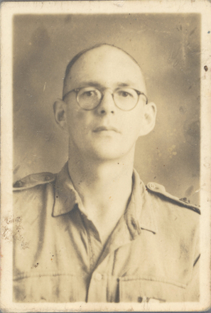 Photograph of Arnold Lessel Macmorland Greig in WWII. Auckland War Memorial Museum - Tāmaki Paenga Hira 2018. Image may be subject to copyright restrictions.