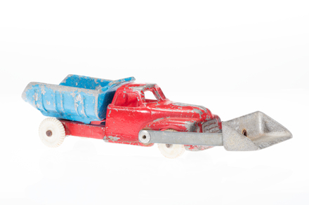 toy truck, 1996.165.157, Photographed by Andrew Hales, digital, 14 Jun 2018, © Auckland Museum CC BY