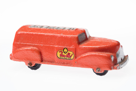 toy van, 1996.165.115, Photographed by Andrew Hales, digital, 19 Jun 2018, © Auckland Museum CC BY