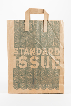 bag, shopping, 2002.22.13, Photographed by Jennifer Carol, digital, 05 Jul 2018, © Auckland Museum CC BY