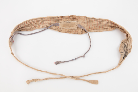 waistband, 1994.091, U310.6, Photographed by Denise Baynham, digital, 23 Jul 2018, © Auckland Museum CC BY